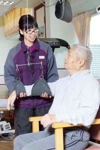 corporate_d05b_tst_曾肇添護老院員工細心照顧院友起生活和復康護理_03
