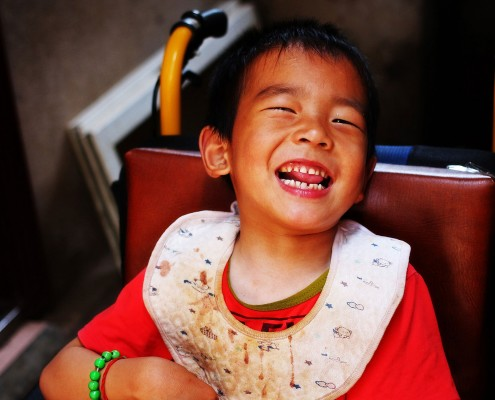 Zhao Dashuang happy with his adjusted wheelchair